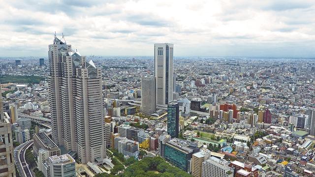 japonské město a mrakodrapy
