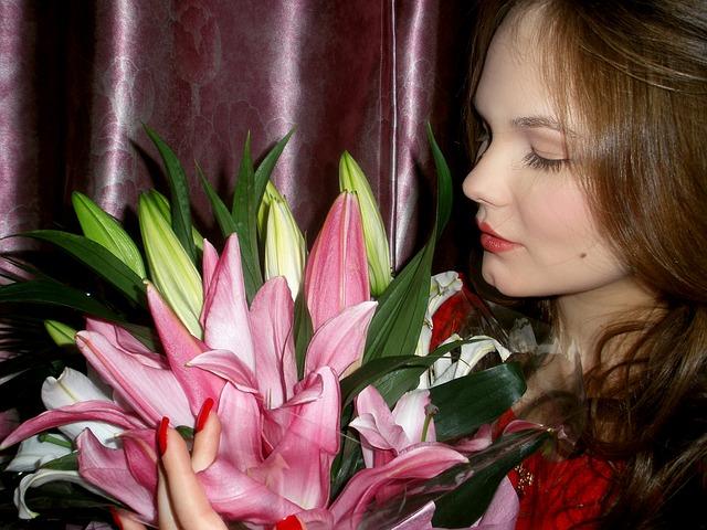 slečna s kyticí