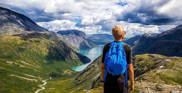 turista v horách.jpg