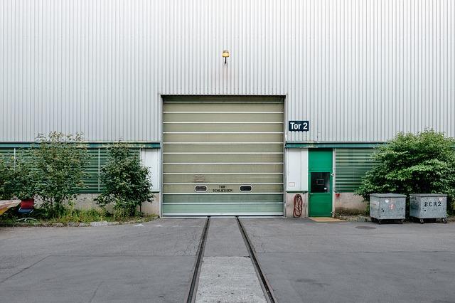 Průmyslová vrata fádní