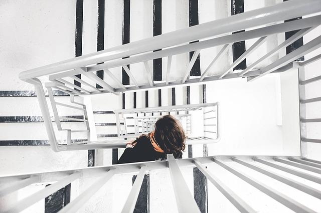 černobílé schody.jpg
