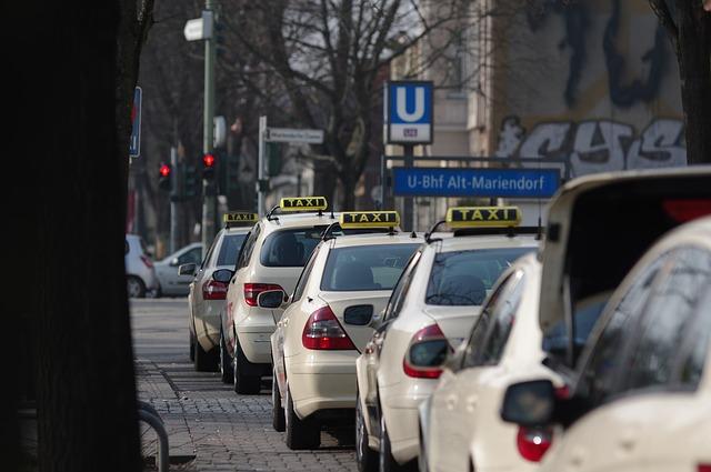 kolona taxíků